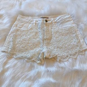 White lace jean shorts S